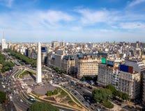 Vista aérea de la ciudad de Buenos Aires con el obelisco y la avenida de 9 de Julio - Buenos Aires, la Argentina fotografía de archivo