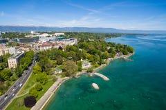 Vista aérea de la ciudad de Ginebra del parque del Repos de lunes en Suiza Foto de archivo libre de regalías