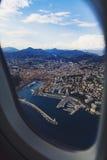 Vista aérea de la ciudad de Niza, de Francia y del coastlin circundante Foto de archivo