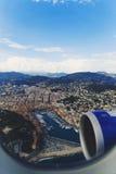 Vista aérea de la ciudad de Niza, de Francia y del coastlin circundante Fotos de archivo libres de regalías