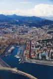 Vista aérea de la ciudad de Niza, de Francia y del coastlin circundante Fotos de archivo