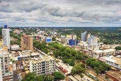 Vista aérea de la Ciudad del Este, Paraguay fotos de archivo libres de regalías