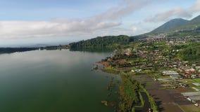 Vista aérea de la ciudad en Bali, Indonesia metrajes
