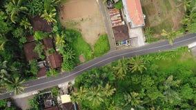 Vista aérea de la ciudad en Bali, Indonesia almacen de video