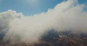 Vista aérea de la ciudad en verano metrajes