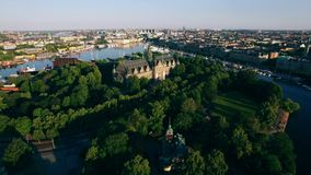 Vista aérea de la ciudad de Estocolmo metrajes