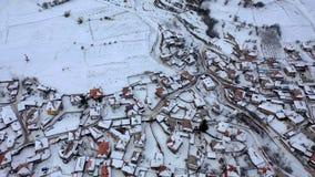 Vista aérea de la ciudad histórica de Koprivshtitsa, Sofia Region, Bulgaria almacen de metraje de vídeo