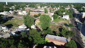 Vista aérea de la ciudad de puerto de la orilla del río de Delaware Gloucester New Jersey almacen de metraje de vídeo
