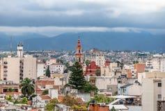 Vista aérea de la ciudad de Salta y San Francisco Church - Salta, la Argentina imagenes de archivo