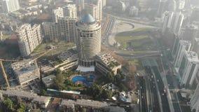 Vista aérea de la ciudad y de apartamentos en Chile almacen de metraje de vídeo