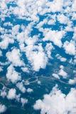 Vista aérea de la ciudad y de la nube foto de archivo