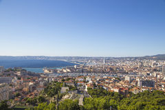 Vista aérea de la ciudad y del puerto, Francia de Marsella Imagen de archivo