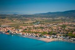 Vista aérea de la costa de Etruscan, Italia, Toscana, Cecina Foto de archivo libre de regalías