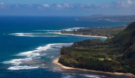 Vista aérea de la costa de NaPali de Kaui fotos de archivo