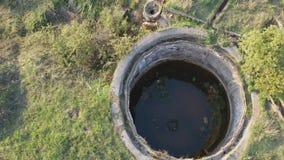 Vista aérea de la depuradora de aguas residuales abandonada metrajes