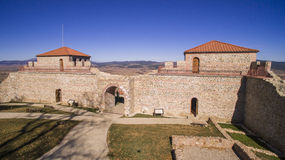 Vista aérea de la fortaleza de Cari Mali Grad, Bulgaria imagen de archivo