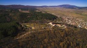 Vista aérea de la fortaleza de Cari Mali Grad, Bulgaria foto de archivo libre de regalías