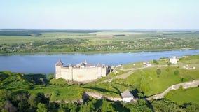 Vista aérea de la fortaleza Ucrania de Khotyn almacen de video