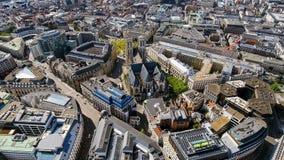 Vista aérea de la iglesia gótica de Brabante en Bruselas Foto de archivo