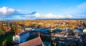 Vista aérea de la iglesia negra de la abadía en Kilkenny, Irlanda durante el día Imágenes de archivo libres de regalías