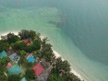 Vista aérea de la isla de Manukan de Sabah, Malasia Océano verde claro La isla de Manukan es la isla visitada de Sabah La imagen Fotos de archivo
