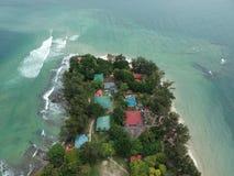 Vista aérea de la isla de Manukan de Sabah, Malasia Océano verde claro La isla de Manukan es la isla visitada de Sabah La imagen Foto de archivo