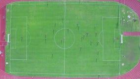 Vista aérea de la meta anotada en la puerta correcta metrajes