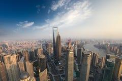 Vista aérea de la metrópoli moderna en Shangai foto de archivo