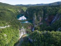 Vista aérea de la naturaleza hermosa en los lagos parque nacional, Croacia Plitvice Imagenes de archivo