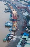 Vista aérea de la orilla de la ciudad de Ho Chi Minh alrededor del puerto de Nha Rong en la tarde Imagenes de archivo