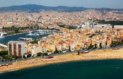 Vista aérea de la playa de Barceloneta Barcelona imagen de archivo libre de regalías