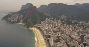 Vista aérea de la playa de Ipanema almacen de video
