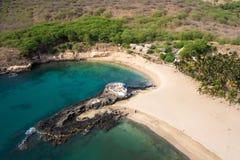 Vista aérea de la playa de Tarrafal en la isla de Santiago en Cabo Verde - Imagen de archivo libre de regalías