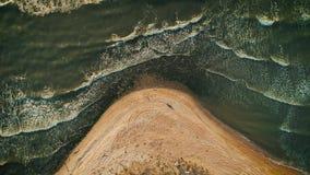 Vista aérea de la playa del mar Visión superior almacen de metraje de vídeo