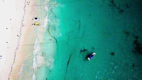 Vista aérea de la playa de Pescadores en Tulum metrajes