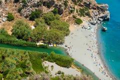Vista aérea de la playa y de la laguna de Preveli fotografía de archivo libre de regalías