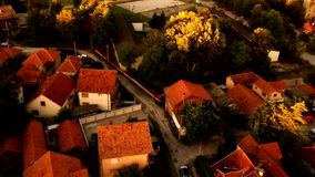 Vista aérea de la puesta del sol almacen de video