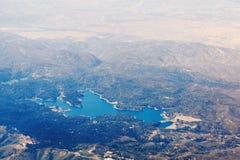 Vista aérea de la punta de flecha del lago en California, los E.E.U.U. Imagen de archivo