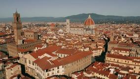 Vista aérea de la señal principal de Florencia, de los di Santa Maria del Fiore de la catedral o de Cattedrale Italia almacen de video