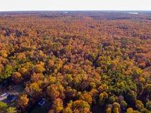 Vista aérea de la tierra de cultivo en la caída imágenes de archivo libres de regalías