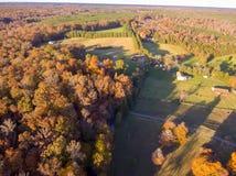 Vista aérea de la tierra de cultivo en la caída fotografía de archivo libre de regalías