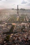 Vista aérea de la torre Eiffel y del La Fotos de archivo libres de regalías