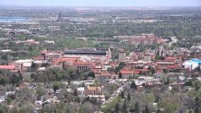 Vista aérea de la universidad de Colorado Boulder metrajes