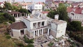 Vista aérea de las consecuencias del derrumbamiento en Chernomorsk, Ucrania almacen de video