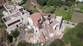 Vista aérea de las consecuencias del derrumbamiento en Chernomorsk, Ucrania metrajes