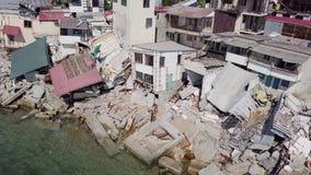 Vista aérea de las consecuencias de un derrumbamiento en la ciudad de Chernomorsk, Ucrania almacen de video