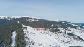 Vista aérea de las montañas nieve Invierno fotografía de archivo libre de regalías