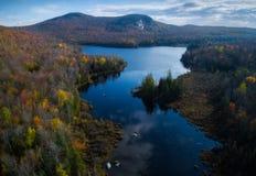 Vista aérea de las montañas de Vermont en el otoño fotografía de archivo libre de regalías