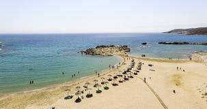 Vista aérea de las playas de la isla griega de la isla del IOS, Cyclad Imagenes de archivo