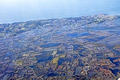 Vista aérea de Loire, nuvens, névoa da manhã do anf do céu do pântano de Nazário Oceano Atlântico de Saint Foto de Stock